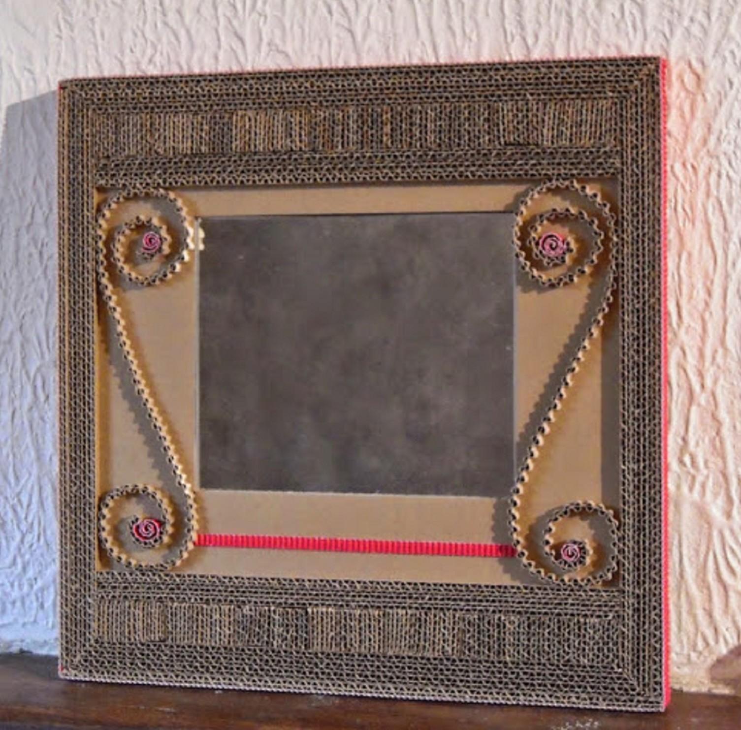 miroirs en dentelle de carton 2014 cartons patte d 39 f. Black Bedroom Furniture Sets. Home Design Ideas