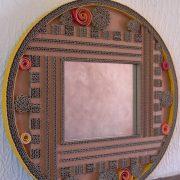 Miroir en dentelle de carton et carton ondulé