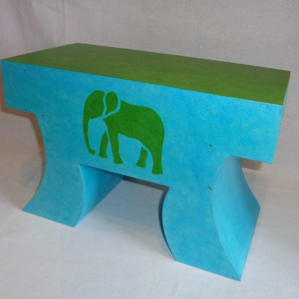 petit banc el phant en carton pour enfant 2015 cartons patte d 39 f. Black Bedroom Furniture Sets. Home Design Ideas